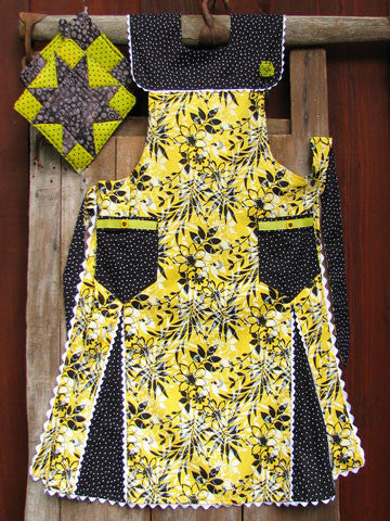 Aunt Ina's Apron Pattern #RR144