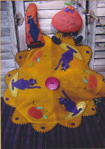Boo Cat and Pumpkin Ornament & Table Mat Pattern #RR124