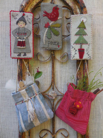Christmas Tags And Bags Pattern #RR186 - Kit Also Available