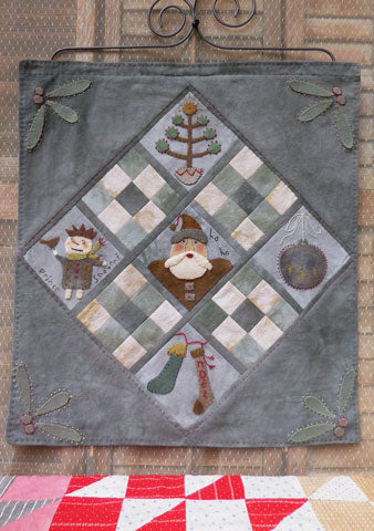 Little Christmas Quilt Pattern #RR174