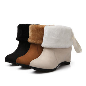 Fashion Women Ankle Boots for Autumn and Winter New Arrival Fur Fur Back Straps 5746