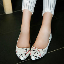 Load image into Gallery viewer, Pointed Toe Women Flats Printed Ballet Shoes