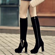 Load image into Gallery viewer, Fashion Women Knee High Boots for Autumn and Winter New Arrive Chains Buckle 7954