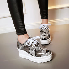 Load image into Gallery viewer, Printed Women Platform Wedges Lace Up Shoes High Heel Loafers