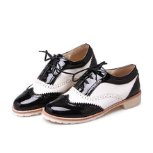 Load image into Gallery viewer, Retro Lace Up Women Flats Oxfords Shoes 5675