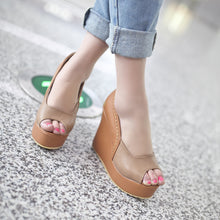 Load image into Gallery viewer, Women's Fish Mouth Platform Wedge Sandals