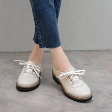 Load image into Gallery viewer, Women's Low Heeled Oxford Shoes