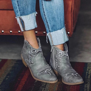 Women's Popular Foreign Trade Fall 19 Comfortable Low Heel 40-43 Large Casual Round Head Low Boots for Women 0909 Boots Ankle Boots