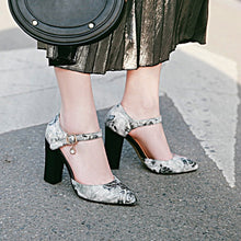 Load image into Gallery viewer, Ankle Strap Thick-heeled Sandal National Style Super High Heels