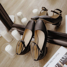 Load image into Gallery viewer, Leisure Cross-buckle Middle Heels Round Head Women Pumps