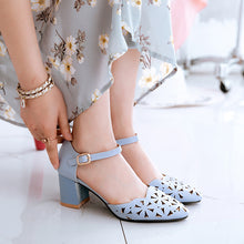 Load image into Gallery viewer, Women's Buckle Belt Chunky Heel Sandals
