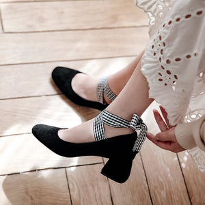 Retro Square Head Shallow Cross Strap Women Pumps Middle Heel Shoes