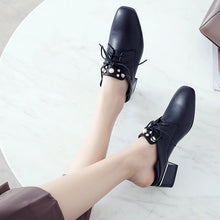 Load image into Gallery viewer, British Style Lace Up Square Head Pearl Oxford Shoes