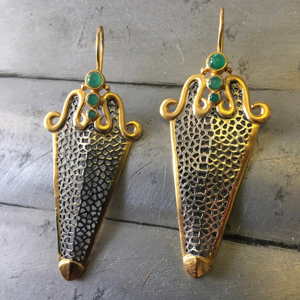 Green onyx cabochon two tone earrings