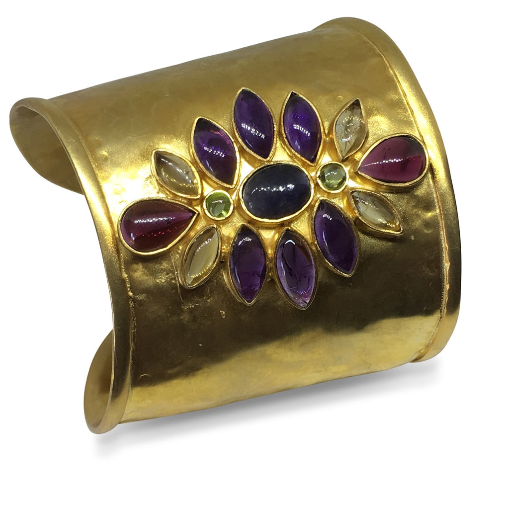 Hammered gem gold cuff