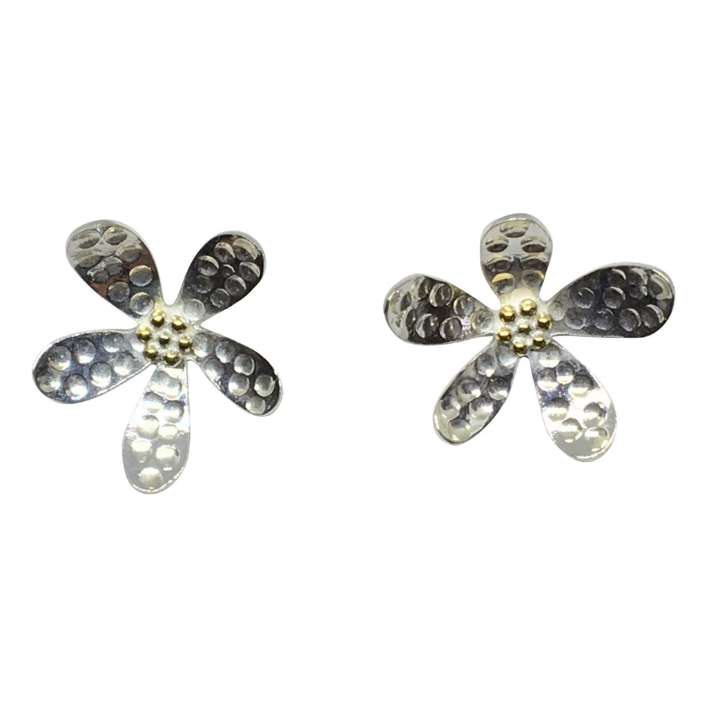 Silver hammered flower stud earring