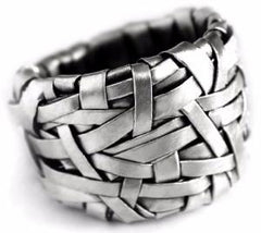woven ring band handcrafted in silver by artist designer maker gurgel-segrillo