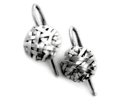 woven disc hook earrings handcrafted in silver by contemporary jewellery designer-maker P Gurgel-Segrillo