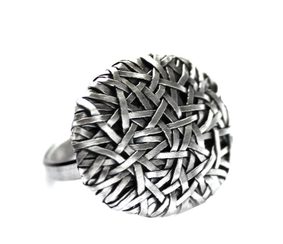 woven disc ring thin weave, handcrafted in silver by contemporary jewelry designer gurgel-segrillo