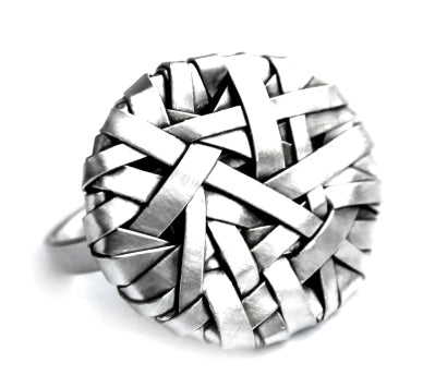 woven disc ring wide weave, handcrafted in silver by contemporary jewellery designer gurgel-segrillo
