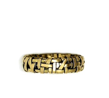 shop online love is love ring woven in yellow gold or rose gold by contemporary jewellery designer gurgel-segrillo