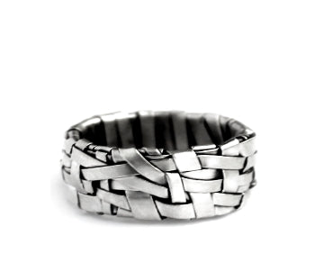 woven silver ring band handcrafted in silver and gold by designer-maker P Gurgel-Segrillo