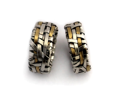 shop for unique wedding rings handcrafted in silver and gold by contemporary jewellery designer P Gurgel-Segrillo, made in Ireland