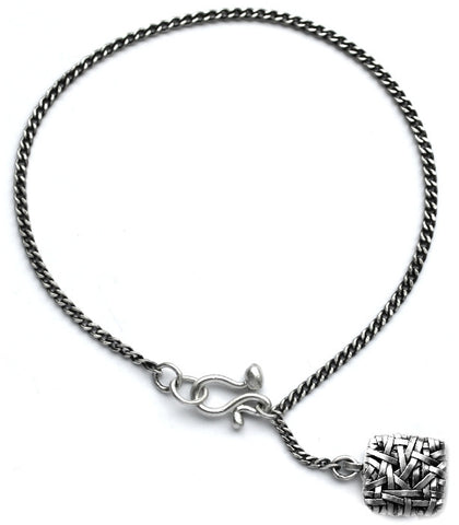 woven chain bracelet with square handcrafted in silver by contemporary jewellery designer gurgel-segrillo