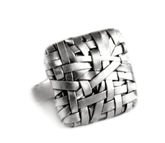 woven square ring handcrafted in silver by artist designer maker gurgel-segrillo