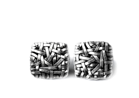 woven square stud earrings handcrafted in fine silver by contemporary jewellery designer gurgel-segrillo