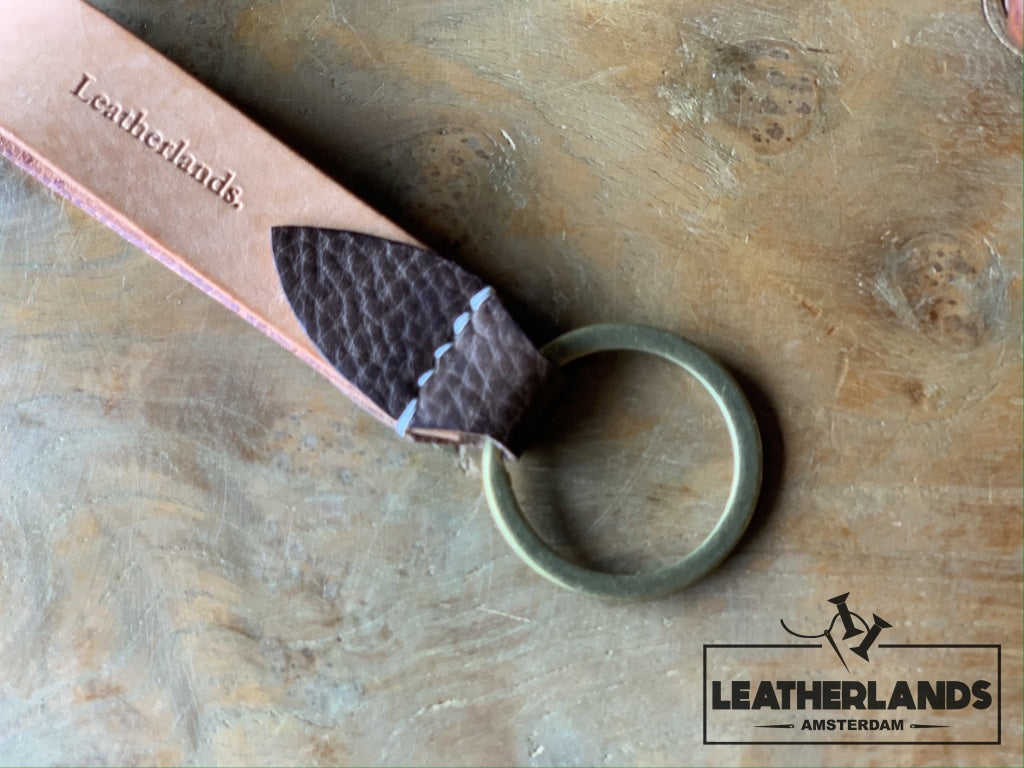 Key Chain 05 - The Leaf In Black Natural & Light Brown / Without Initials Handstitched