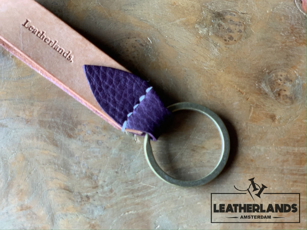 Key Chain 05 - The Leaf In Natural & Lattuga Purple / Without Initials Handstitched