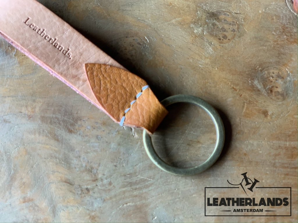 Key Chain 05 - The Leaf In Natural & Safari Ochre / Without Initials Handstitched