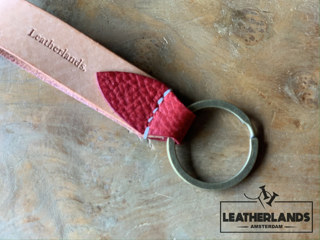 Key Chain 05 - The Leaf In Natural & Viola Red / Without Initials Handstitched
