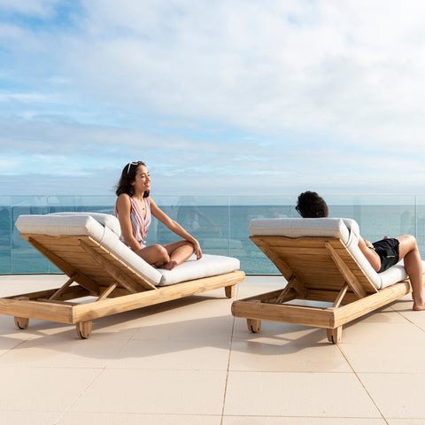 Sereno Exclusive Teak Daybed Lounger [Taupe Cushion]