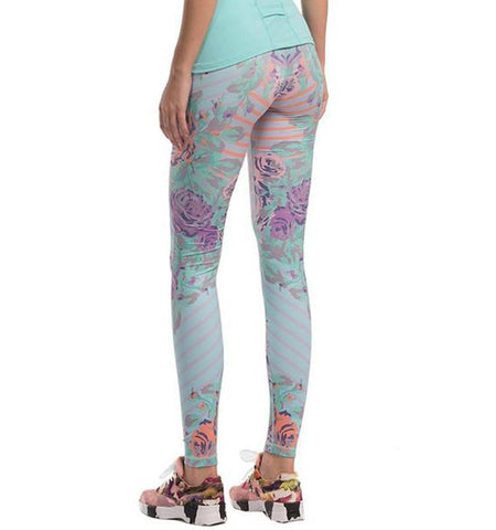 This women's compression patterned yoga leggings in colorful pattern design, made from light and high elastic fabric , give you good workout experience.