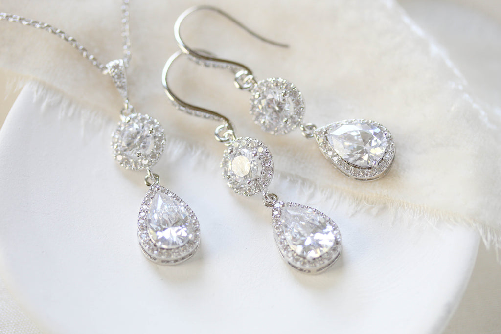 Crystal Bridal earrings and necklace, Bridesmaid jewelry gift - Treasures by Agnes