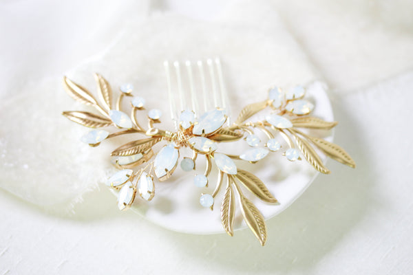 Swarovski crystal wedding hair piece- LAINA - Treasures by Agnes