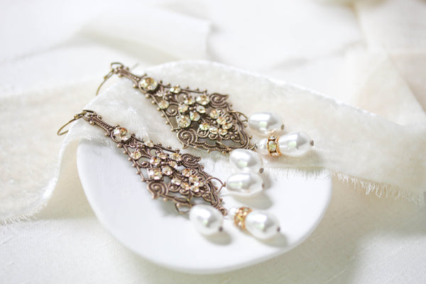 Chandelier Wedding earrings in Antique gold with Swarovski crystals - CLARA - Treasures by Agnes