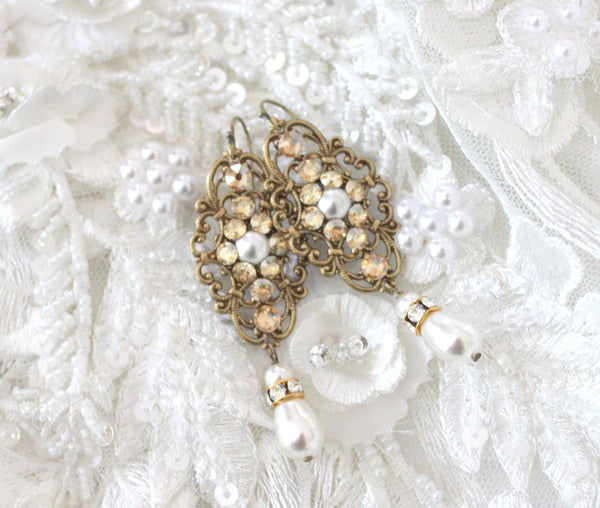 Antique gold filigree Bridal earrings with Swarovski crystals and pearls - Treasures by Agnes
