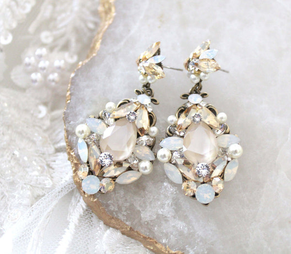 Antique gold Bridal earrings with Swarovski crystals and pearls - BLAKELY - Treasures by Agnes