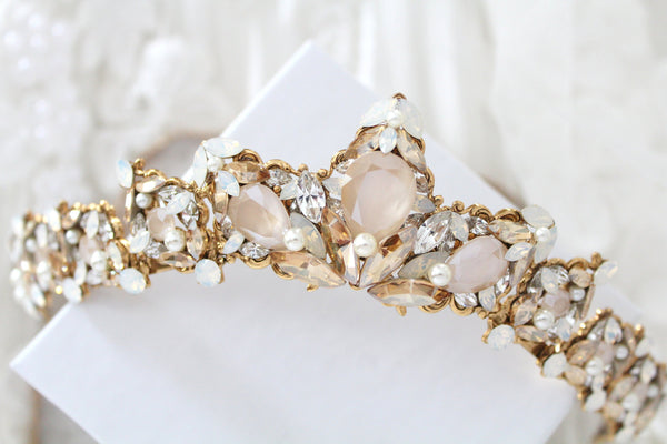 Bridal tiara with Swarovski crystals and pearls - ADRIANA - Treasures by Agnes