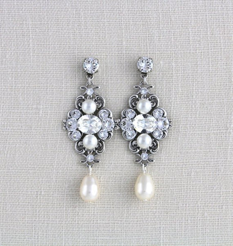 Vintage style Wedding earrings with Swarovski crystals - Treasures by Agnes