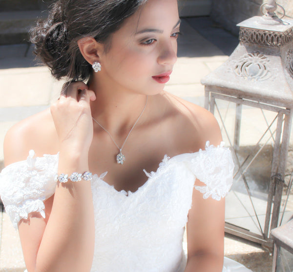 Simple Swarovski white opal Bridal necklace - Treasures by Agnes