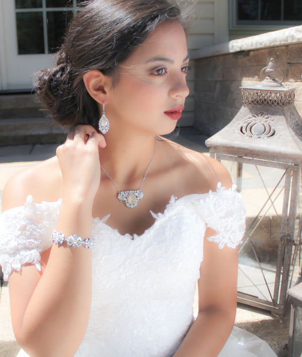 Ivory cream and Opal Wedding bracelet with Swarovski crystals and pearls - Treasures by Agnes
