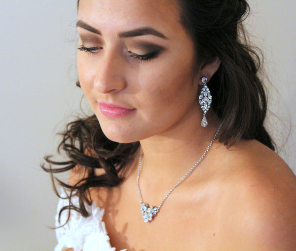 Simple Vintage style Swarovski Crystal Wedding necklace - Treasures by Agnes