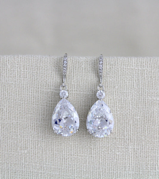 Crystal teardrop necklace and earrings set