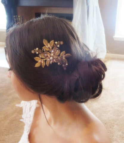 Leaf hair comb, Antique gold hair accessory with Swarovski crystals - Treasures by Agnes