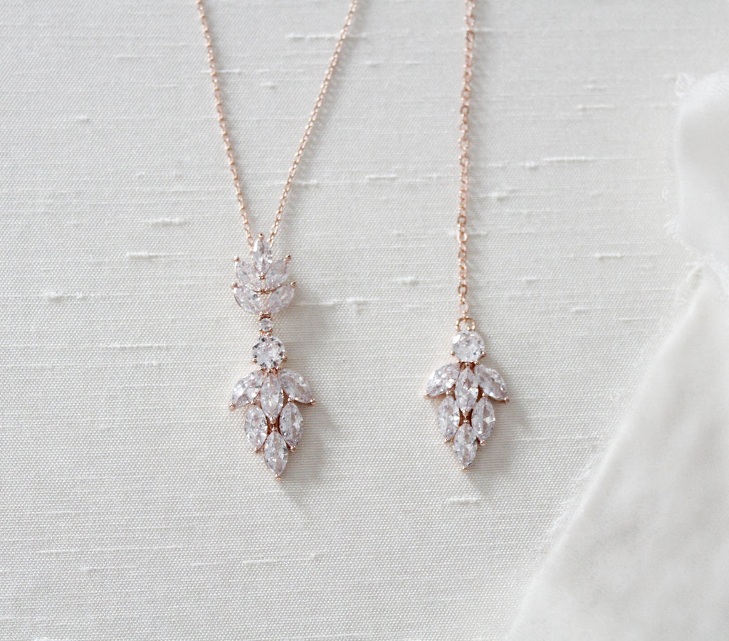 Delicate Rose gold Back necklace - KRISTEN - Treasures by Agnes