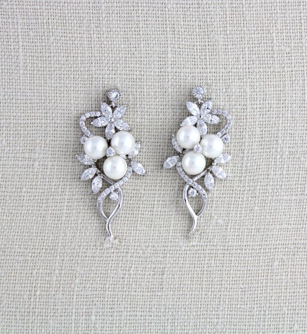 Rose gold Bridal earrings with pearls MIA - Treasures by Agnes